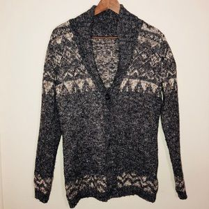 Sweaters - Traditional sweater